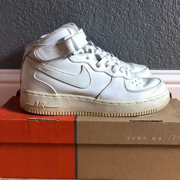 nike air force one mid